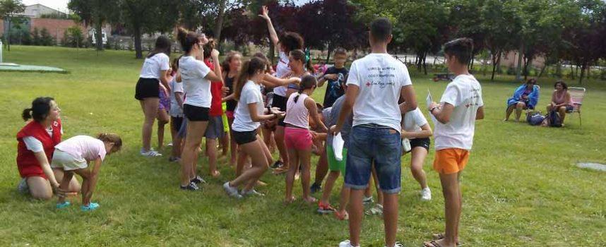 Cruz Roja Juventud acercó sus actividades de `Piscineo´ a Sanchonuño