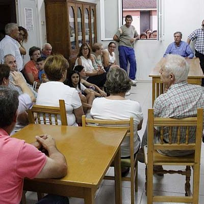 """Los vecinos de Narros exigen al alcalde soluciones al problema del agua que """"ha puesto en grave riesgo la salud del pueblo"""""""