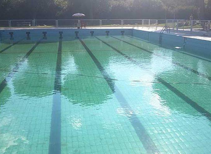 La sustitución del caudalímetro ha motivado el vaciado de la piscina de Cuéllar