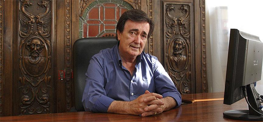 El-alcalde-de-Cuéllar-Jesús-García-Pastor-escuellar