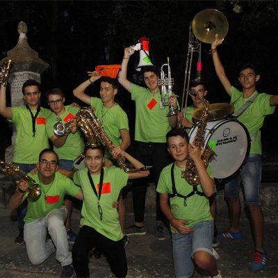 Juventud y ritmo dan vida a la Charanga `La Huevera´