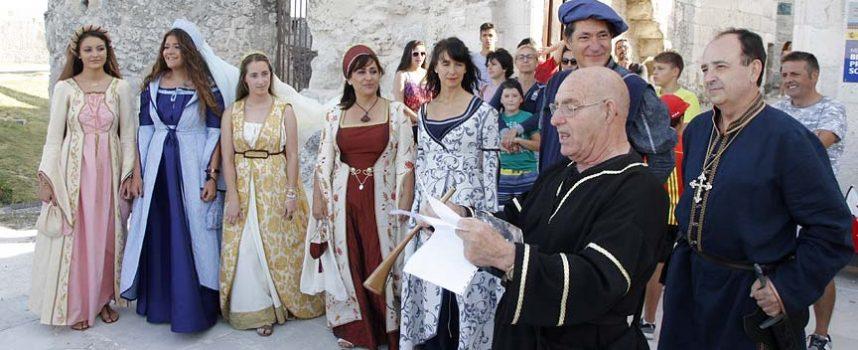 Aires medievales soplan a la sombra del Castillo con la fiesta `Cuéllar Mudéjar´