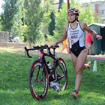 Marina Muñoz se lleva el oro en el Triatlón Olímpico de Aranda de Duero
