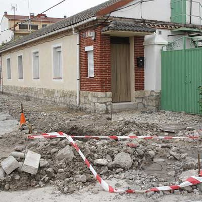 El Ayuntamiento adjudica a la empresa Mariano Rico el acondicionamiento de las aceras del barrio de San Gil