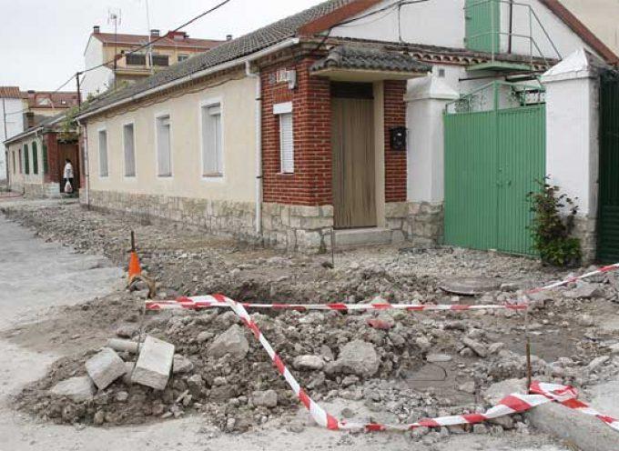 Comienzan las obras de acondicionamiento de las aceras del barrio de San Gil
