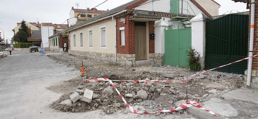 Obras-de-renovación-de-aceras-en-carretera-de-Bahabón