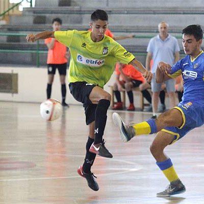 El FS Cuéllar juvenil desaprovecha una ventaja de tres goles y pierde ante el Tres Columnas