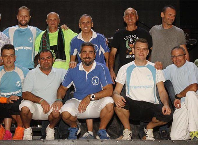 Zarzuela del Pinar abrió sus fiestas homenajeando a su equipo de fútbol sala en su 25 aniversario