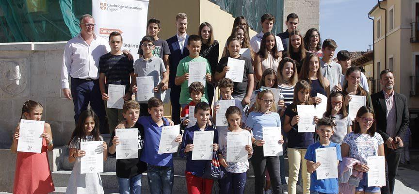 Más de medio centenar de alumnos reciben sus títulos de Cambridge English