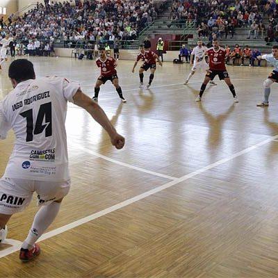 El Segovia Futsal cae ante el Zaragoza en la vuelta del fútbol sala de Primera a Cuéllar