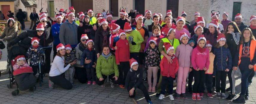 Los vecinos de Fuentesaúco de Fuentidueña abrieron la Navidad con una carrera
