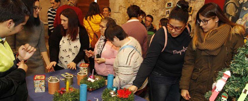 Fundación Personas acercó sus productos artesanos a los vecinos de la comarca