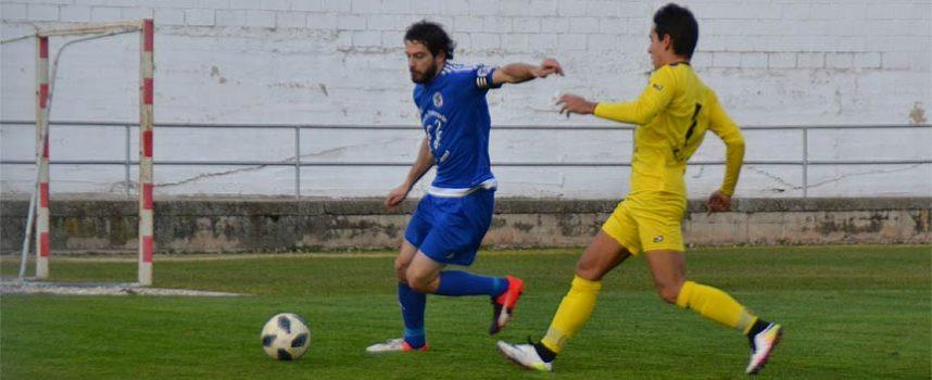 Pablo Lozano da al CD Cuéllar una trabajada victoria (2-1)