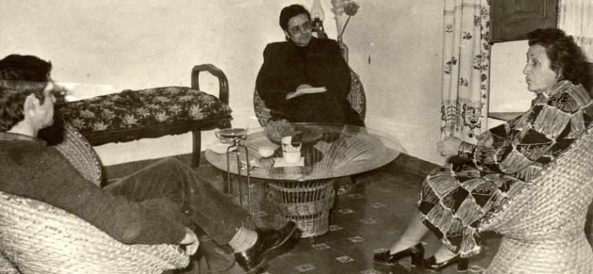Alfonsa de la Torre, Alfonso Montero y un acompañante en el interior de su casa