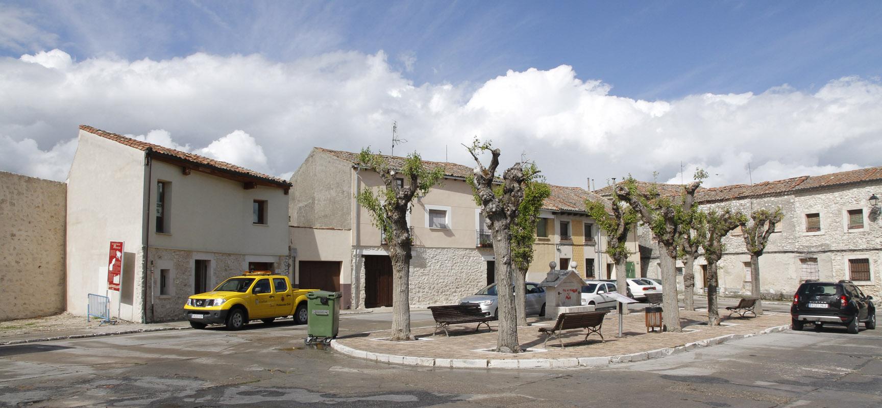 El municipio actuará sobre las aceras de la Plaza de San Gil.