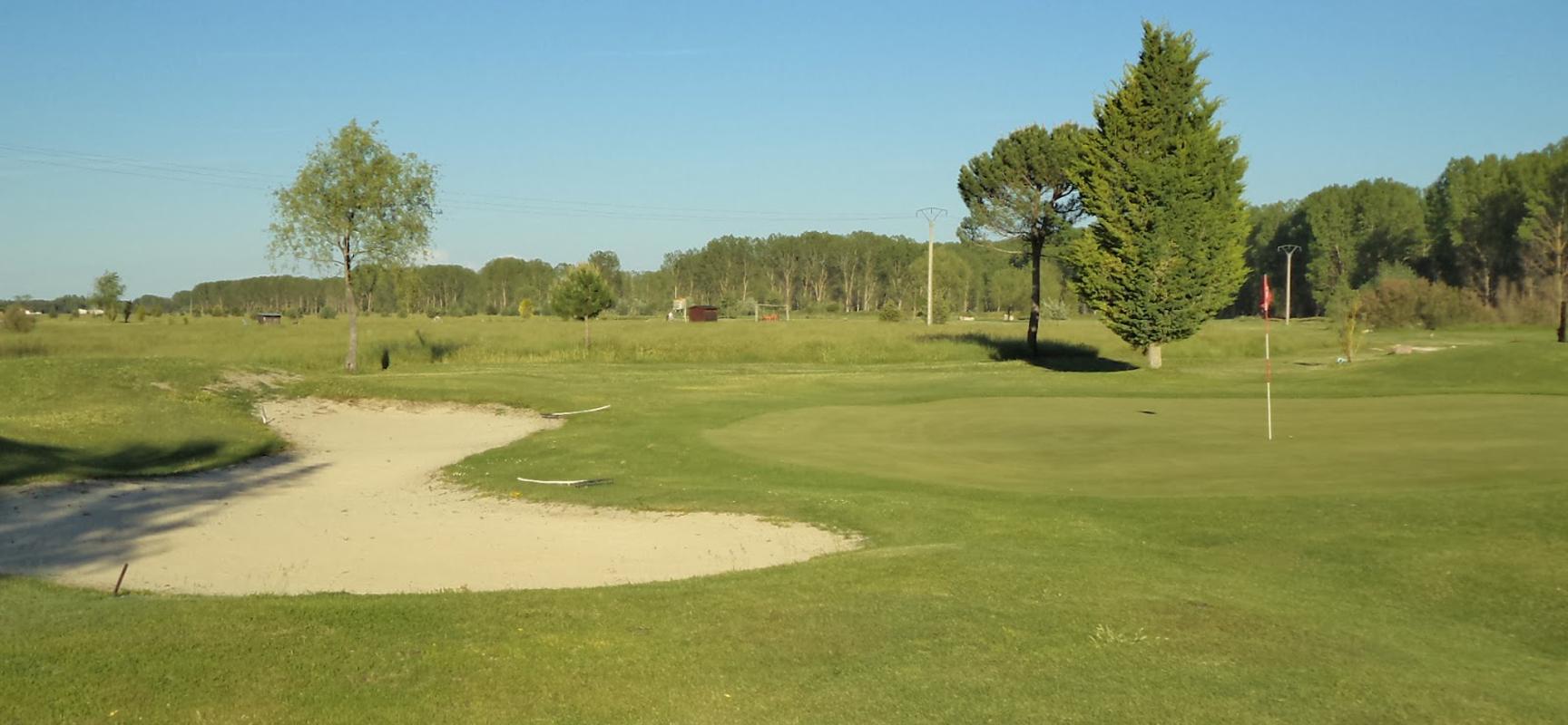 Instalaciones del Campo de Golf Villa de Cuéllar.