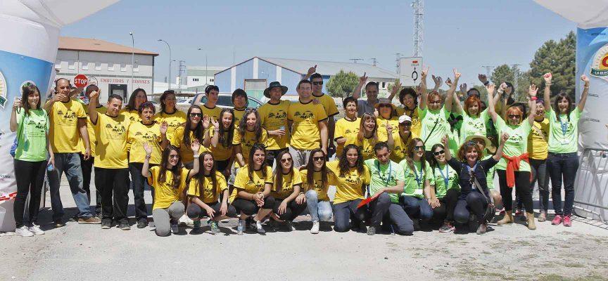 Voluntarios de la Carrera Popular el Campo. Fotos: Gabriel Gómez 