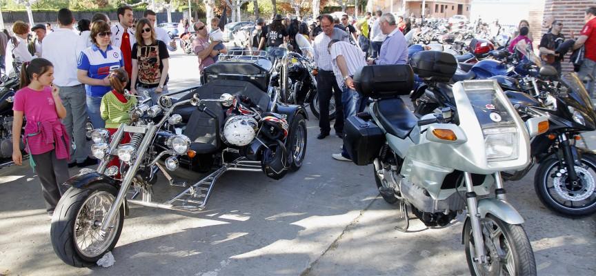 Participantes en la pasada edición de la Concentración de motos cuellarana.||Foto:Gabriel Gómez||