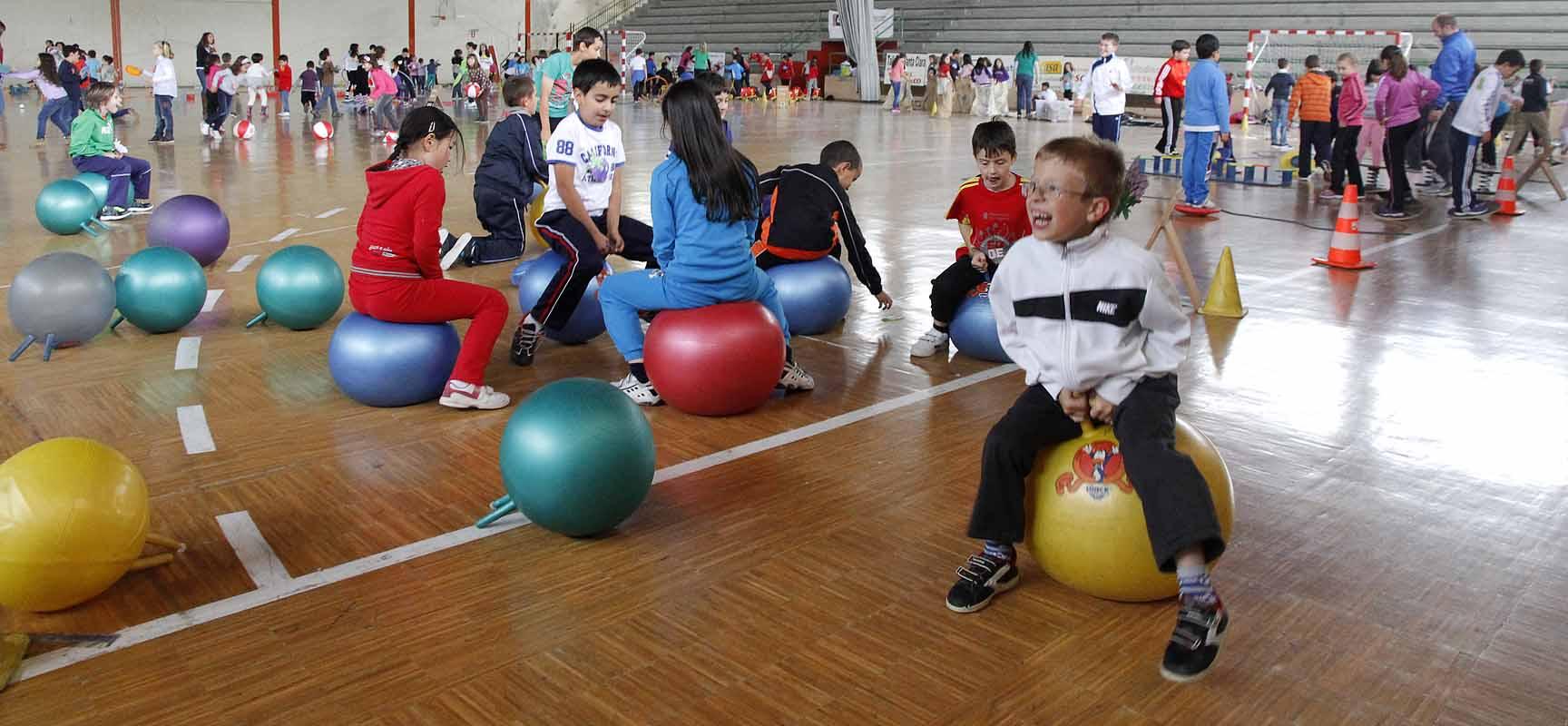 """Los alumnos disfrutaron de las actividades de la """"Fiesta del kiwi""""."""