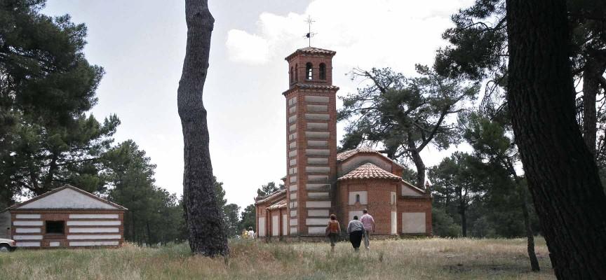 Paraje de la Ermita de San Benito de Gallegos que da nombre al colectivo.