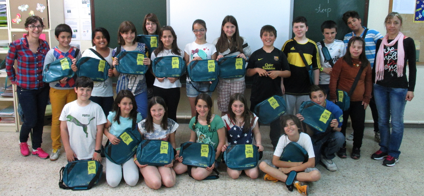 Alumnos ganadores del premio con su tutora.