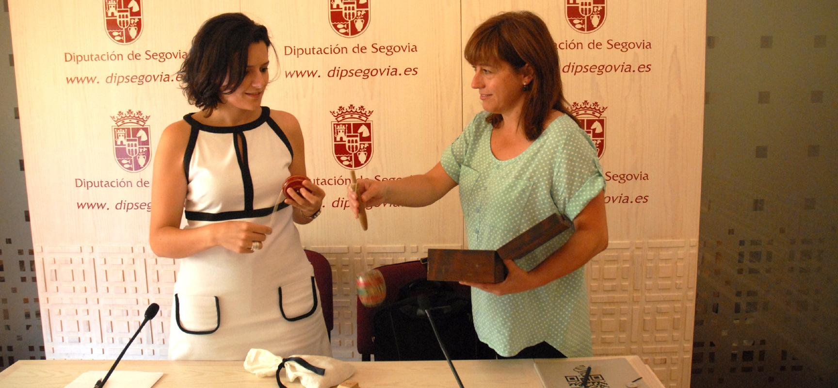 Sara Dueñas y Arantza Rodrigo durante la presentación del programa.