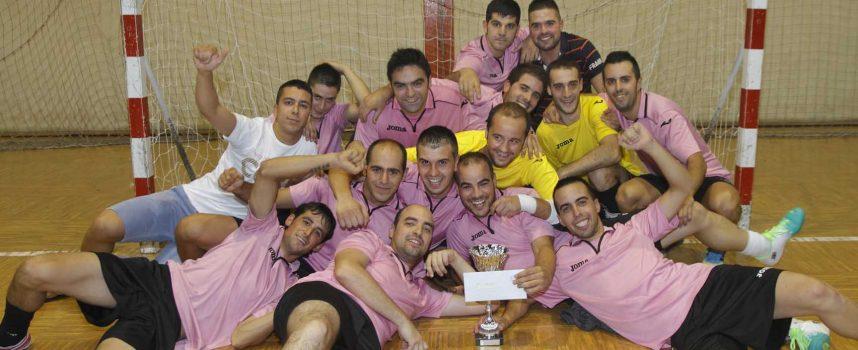 Catorce equipos se disputan el Torneo de Verano Villa de Cuéllar de fútbol sala