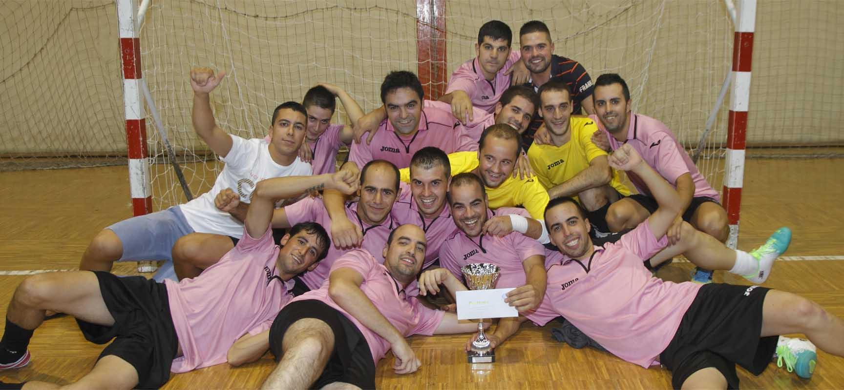 El Bolapié se proclamó campeón del Torneo de Verano Villa de Cuéllar en 2013.