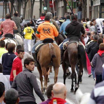El alcalde estudiará la concesión de permisos para el tránsito de caballos a los 11 caballistas que piden la modificación de la ordenanza