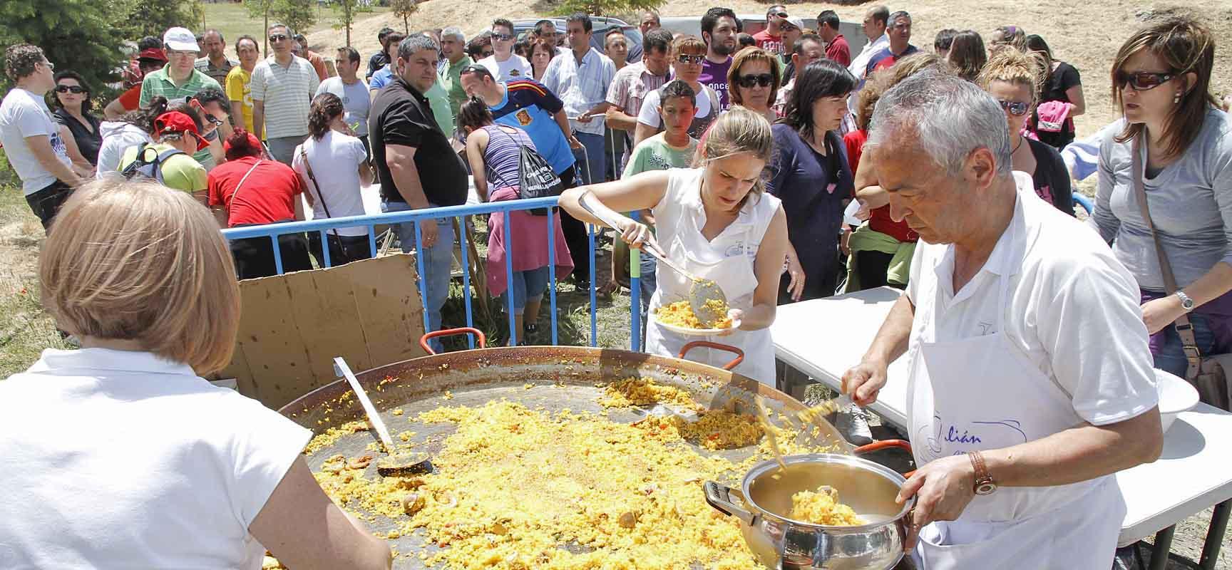 Grandes y pequeños compartirán una paella en la el Parque de la Huerta del Duque.