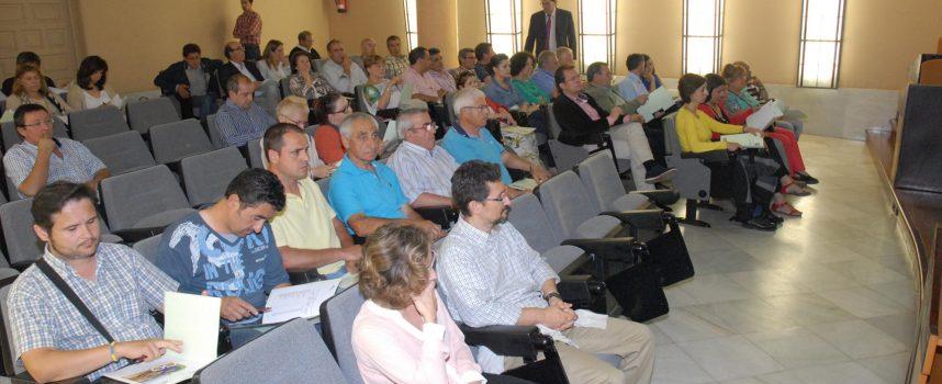 La Diputación presenta a los ayuntamientos con diez o más desempleados el Plan de Empleo de la Junta