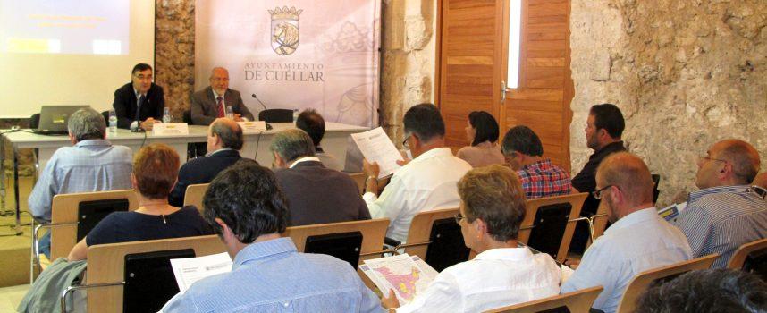 Valín informó a los regantes de la zona sobre la situación del acuífero de Los Arenales