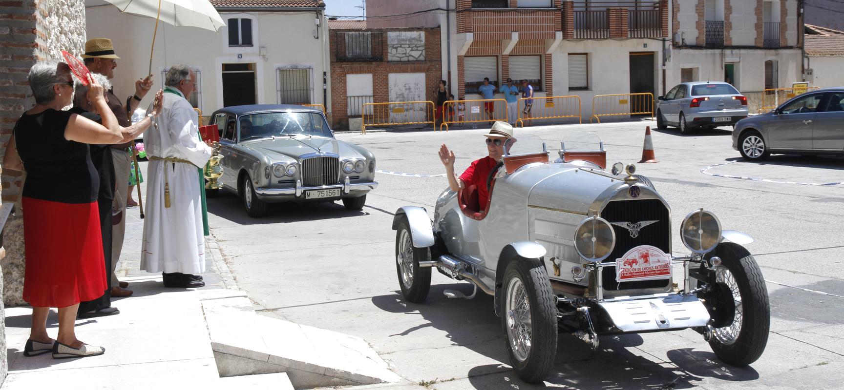Bendición de vehículos en la pasada edición del Rally de Sanchonuño.