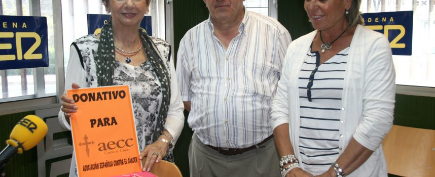 La Asociación contra el Cáncer recibió los 2100 euros recaudados en el municipio