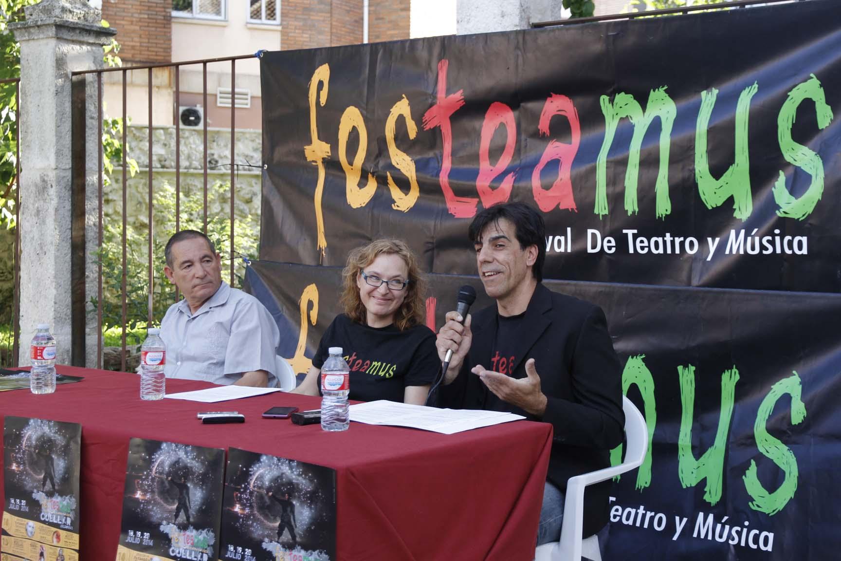 Julio Míchel, Nuria Aguado y Fernando Cárdaba durante la presentación del Festeamus 2014