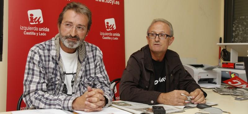 Ediles de IU en la sede de la Asamblea comarcal del partido.