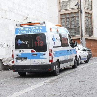 Tres heridos por el vuelco de un turismo en Fuentidueña