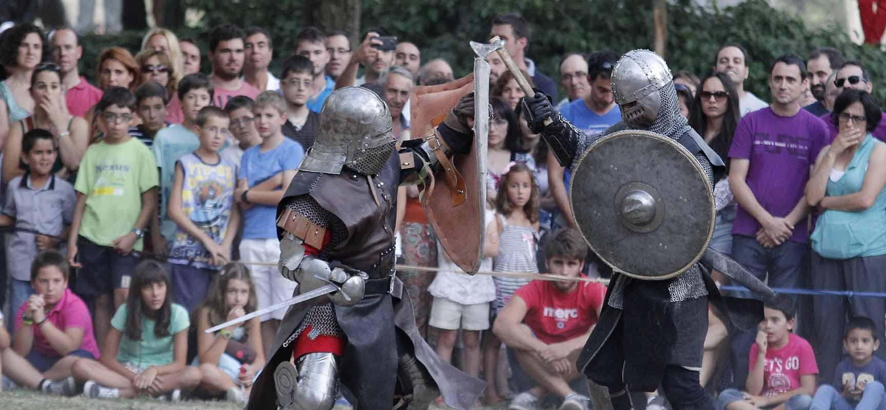 El espectáculo con demostraciones reales de combate atrajo a numeroso público.