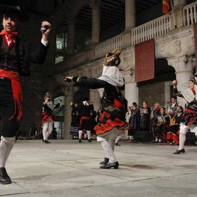 Corregidora y damas serán presentadas esta noche al son de la música tradicional del XXX Festival Nacional de Jota