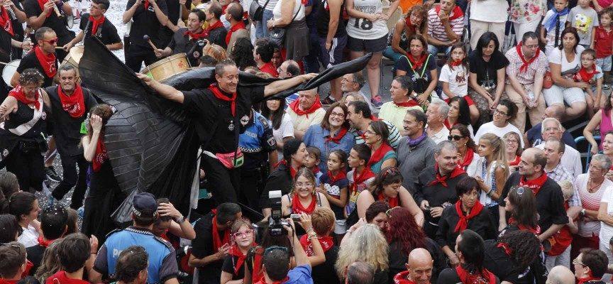 Un Bando de Alcaldía insta a evitar conductas incívicas y envases de vidrio durante el pregón