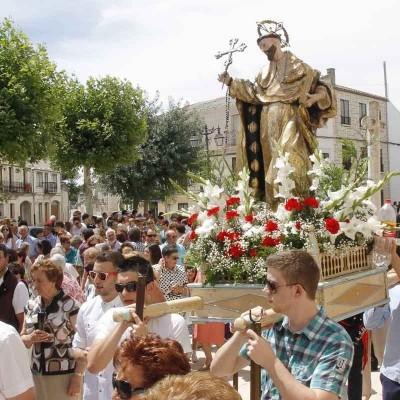 Capeas, teatro, encierros y verbenas en las fiestas en honor a Santo Domingo de Guzmán en Campaspero