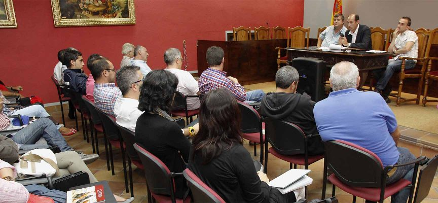 """Foto de una edición anterior del """"Foro de los Encierros"""" organizado por la Peña Taurina El Encierro"""