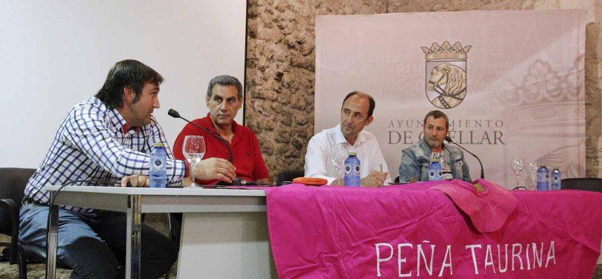 Moderador y ponentes en el XI Foro de los Encierros.