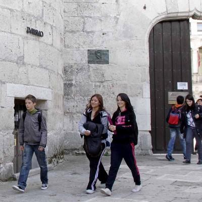 Más de 850 alumnos han iniciado hoy sus clases en los dos institutos de Cuéllar