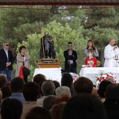 La Romería de San Benito de Gallegos une a los vecinos de El Carracillo en comunidad