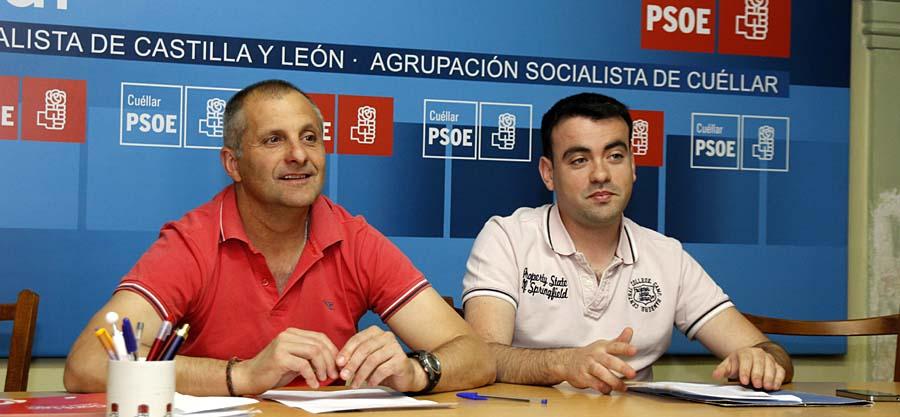 El Secretario Gneral del PSOE, Carlos Fraile, junto a Ángel C. Hernando, miembro de la Agrupación Local.