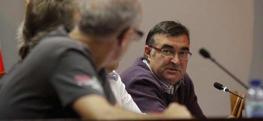 Luis Senovilla durante su intervención en un pleno.