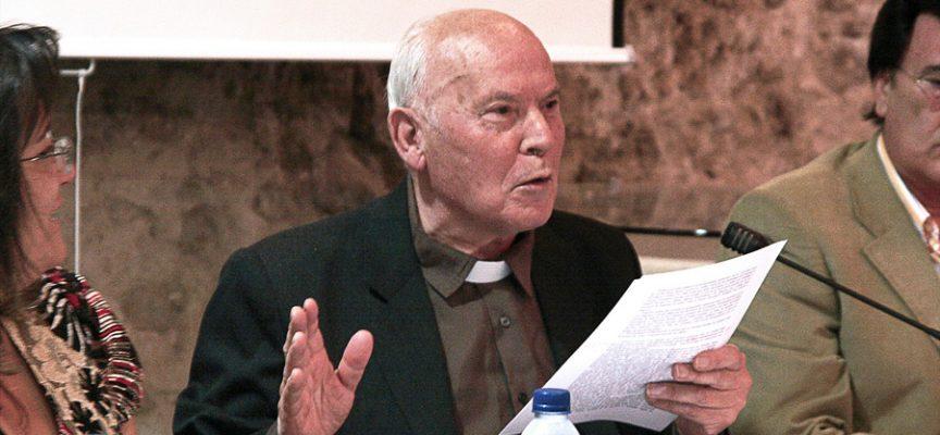 El Padre Balbino Velasco durante una acto celebrado en Cuéllar.