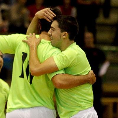 El FS Naturpellet Cuéllar sigue líder tras ganar al FS Albense y espera el domingo al O'Esteo