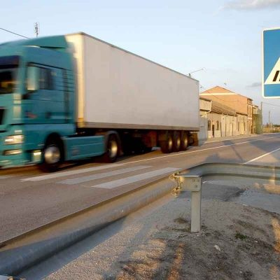 IU pide más medidas para el control de velocidad en la travesía de Dehesa Mayor